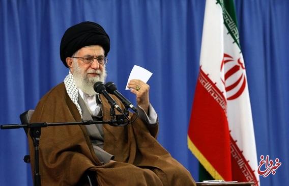 رهبر معظم انقلاب: بمباران چهارساله یمن، نتیجه فراموشی و دوری از قرآن است/ آن بمبارانکننده، به ظاهر مسلمان است اما به مسلمانان رحم نمیکند