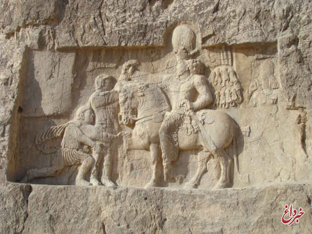 وضعیت تَرکهای اثر باستانی «نقش رستم» بحرانی است