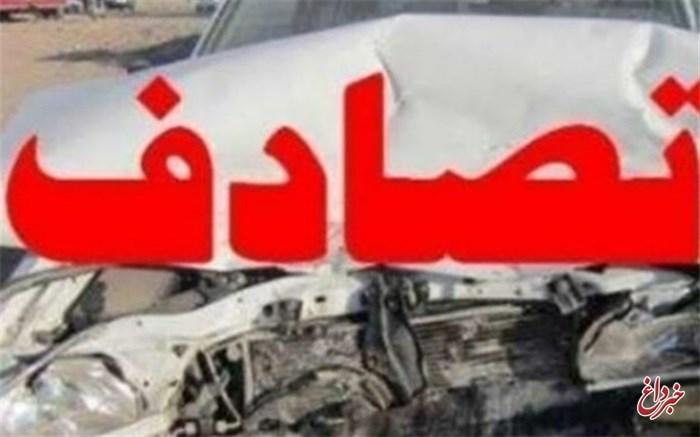 یک کشته و ۲۱ مصدوم در برخورد اتوبوس با تریلی